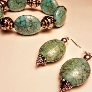 Jewelry - Turquoise colored bracelet and earrings set